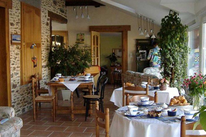salle-dejeuner-lagrandemare.fr
